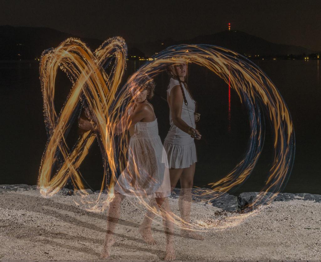 Feuershow in weiss